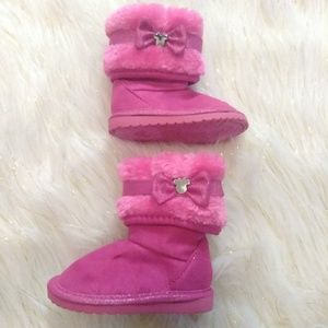 (Baby)Minnie Pink Faux Ugg Boots size 2